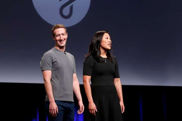 "Pricilla Chan (R) and her husband Mark Zuckerberg announce the Chan Zuckerberg Initiative to ""cure, prevent or manage all disease"" by the end of the century during a news conference at UCSF Mission Bay in San Francisco, California, U.S. September 21, 2016.  REUTERS/Beck Diefenbach"