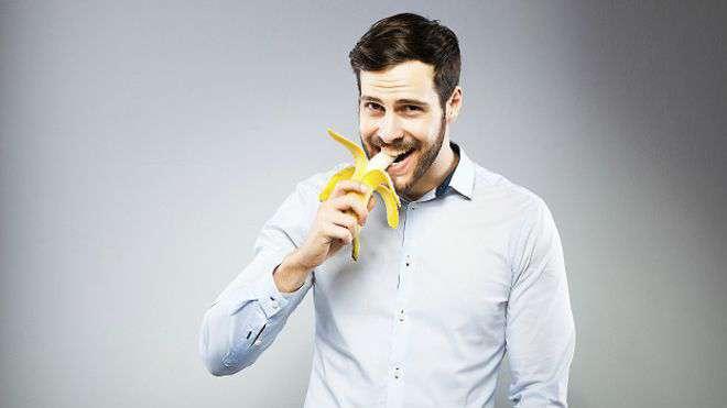 151102123555_eating_young_man_eating_banana_624x351_thinkstock_nocredit