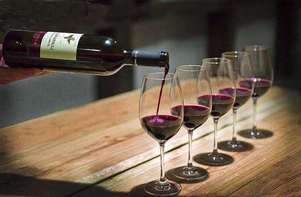 krasnoe-polusladke-vino-6